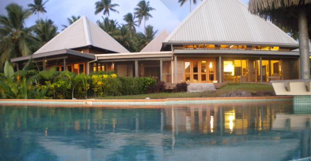 Maravu Paradise Poolside Panorama