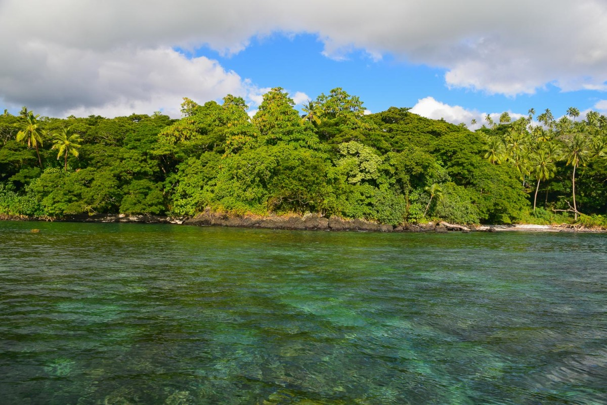 Clear waters with safe swimming and snorkelling, Soqulu, Taveuni Estates, Fiji