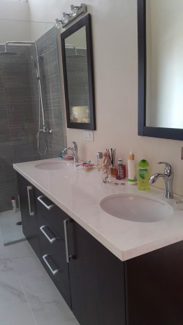 interior master bath (2)